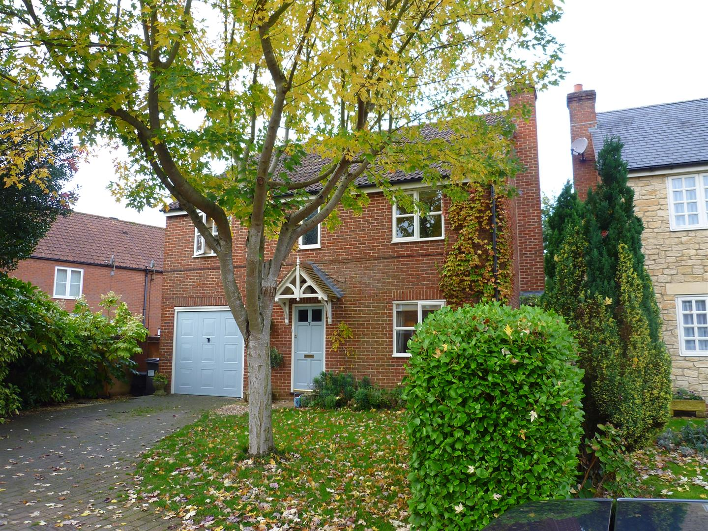 4 Bedrooms Detached House for sale in The Mews, Newport, Warminster